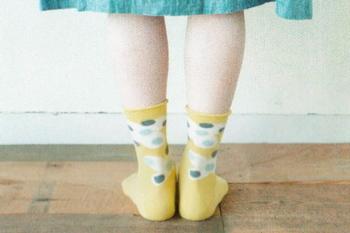 履いているのを忘れそうなほどに、締め付け感のない履き心地も魅力。履き口にゴムが入っていないので、足に負担がかかりにくくなっています。