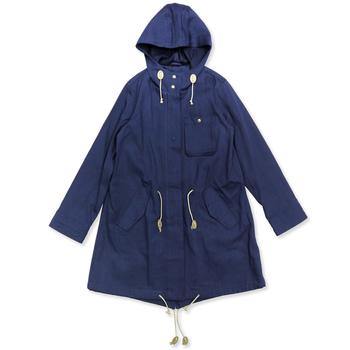アトリエナルセのモッズコートも丈夫なツイルコットンデニム地で作られていると強気で着て行けます。ゆったりとしているので重ね着していても大丈夫!どんな天候にも対応できそうな感じが頼もしいですよね。