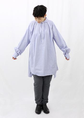 春はシャツを着ることが多くなりますが、イージーパンツと合わせればゆるさをプラスできるのでおすすめ。春にマネしたくなるコーデです。