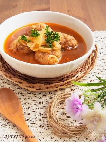 切り干し大根のコリコリとした食感と、お肉と野菜の旨味がたまらないごちそうスープです。ボリュームがあるのにカロリーは控えめで、ダイエット中にも嬉しいレシピです。