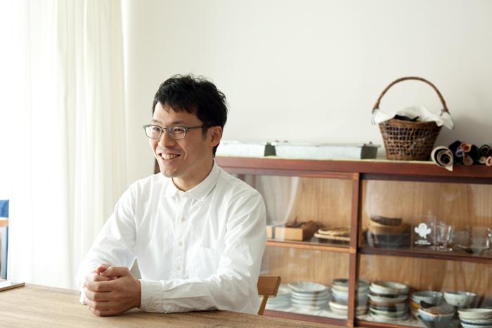 お話を伺った料理研究科の冨田ただすけさん。優しくあたたかなお人柄は、まるで冨田さんが作られるお料理そのまま。お話していると、こちらまでほっこりとした気持ちになれる方でした
