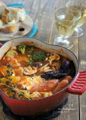 お野菜とウィンナーの旨味が溶け込んだスープが美味。モツァレラチーズをくぐらせて食べるとさらにダブルの美味しさに!