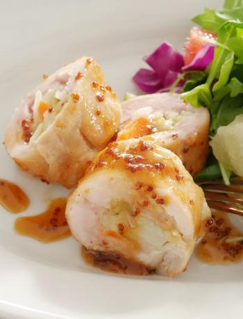 鶏肉&ポテトサラダで、男性や子供たちにも喜ばれそうなおもてなし料理に。レンジ調理することで時短&崩れずキレイに調理できます。