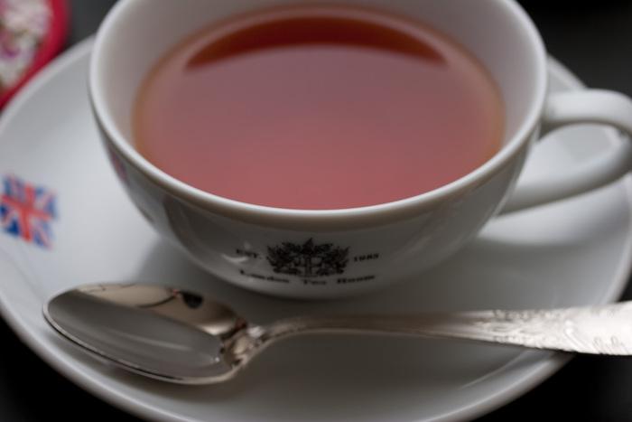 大阪の北区に本店を構える、1983年創業の老舗英国式紅茶専門店。日本紅茶協会より「おいしい紅茶の飲める店」として認定を受けています。