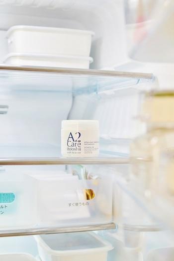 A2 Careを置いた冷蔵庫の中は、とても清潔感があるに見えますね。A2 Care自体が無臭なので、「そういえば冷蔵庫臭がなくなってる…」という感じで、さりげなく除菌消臭してくれます。カビ菌なども防いでくれるので食べ物も衛生的で、長持ちします。