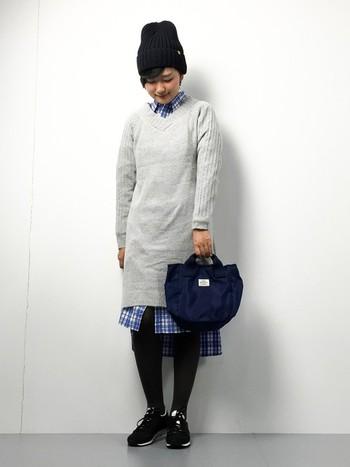 シャツワンピ×ニットワンピの組み合わせも素敵です。ニットワンピは、一枚で着ても、レイヤードさせても可愛くとっても使えるアイテムです♪