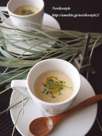 【春の筍パセリポタージュ】 春の筍を使ったスープ。イタリアンパセリは、ドライを使っていますが、フレッシュで作るとより香豊かに♪