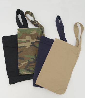 豊富なカラーバリエーションも嬉しいところ。持ち手とバッグの接合部はクロスにステッチされているので、耐久性抜群です。