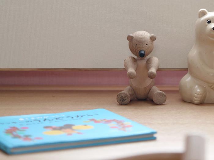 """赤ちゃんのようにコロンと丸い体つきがキュートな、クマをモチーフにした「Bear(ベア)」。""""テディベア""""の木製版といったところでしょうか。「モンキー」の翌年に発表された作品です。"""