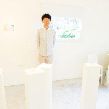 """屋久島在住のジュエリー作家。2003年、大阪で彫金に出会い、2009年、屋久島で""""KEI NAKAMURA JEWELLERY""""を設立。植物や海、月等の自然をモチーフにした繊細で美しいジュエリーを制作しています。"""