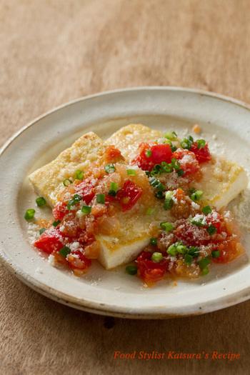 豆腐もトマトソースもシンプルに。その分パルミジャーノレッジャーノの味と香りが十分に楽しめます。パルミジャーノレッジャーノが好きな方に是非お勧めです。