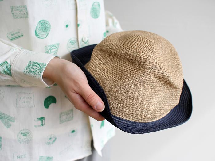 BOXED HATの原料は木材パルプなのでとても軽量。通気性にも優れており、汗ばむ夏にも快適に過ごせます。