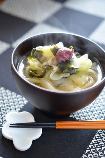 忙しいときは5分でで出来る、お助けレシピです。他にも色々な野菜をトッピングしてもバランス良い食事になりそうです。