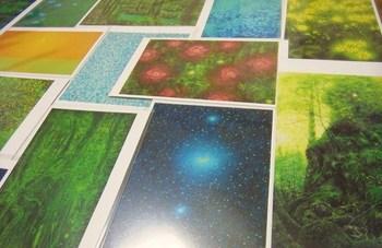 高田裕子さんの絵は、ポストカードで楽しむこともできます。プレゼントとしても素敵ですね。