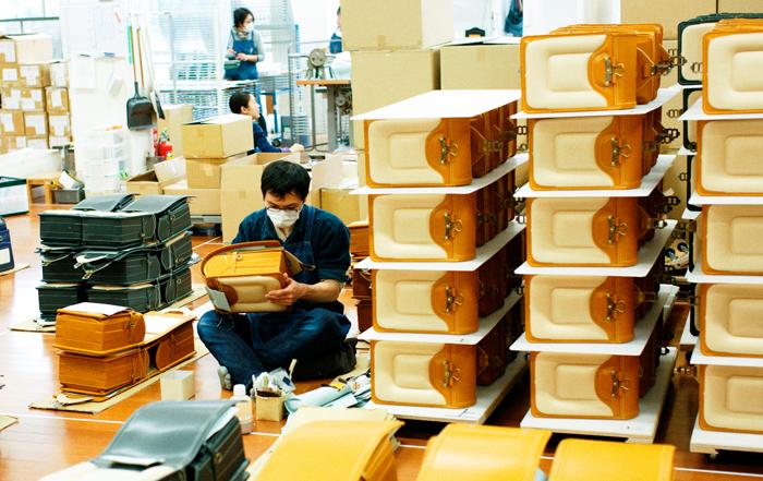vol.34 土屋鞄製造所 -ランドセルが50年繋いだ「想い」のリレー。作る人から使う人の笑顔へ