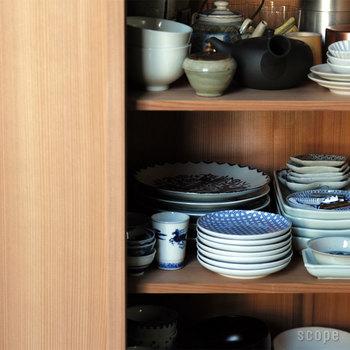 柄のある器は、食器棚に置いてあるだけでも絵になります。だからといって、しまっておくだけではもったいない!毎日使いたくなる個性的な絵皿をご紹介します。