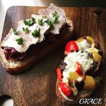 タルティーヌは、お好みのパンに色々な具材を乗せたオープンサンドです。アレンンジ自由でさまざまな味が楽しめるタルティーヌのレシピをご紹介します。