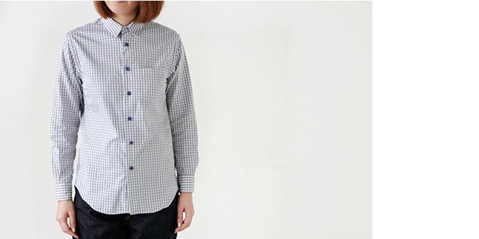 毎シーズンマイナーチェンジを繰り返しリリースされているEEL定番の陶器ボタンのシャツ。コンパクトなサイズ感でスタンダードなかたち。スポーティーテイストでラフに着崩すと着こなしの幅が広がりますね。