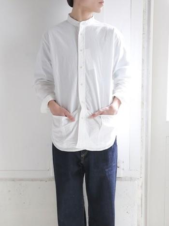 日曜日のお父さんをイメージした「サンデーシャツ」。メンズライクな雰囲気で、裾の方についた大きなポケットがポイントです。