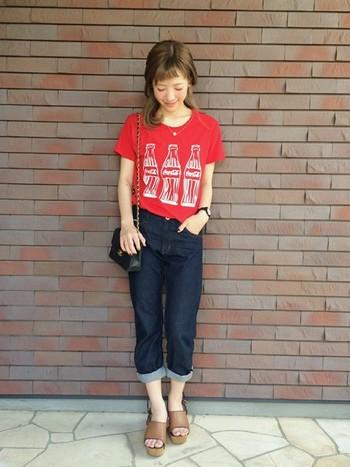 こちらはコカ・コーラTシャツ!真っ赤でメリハリを♪