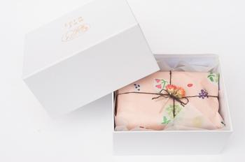 素敵なラッピング&ボックスに入ったギフトセットもあります。箱を開けたら思わず笑顔がこぼれそう!パン好きのあの方へ、ジャムの贈り物はいかがですか?