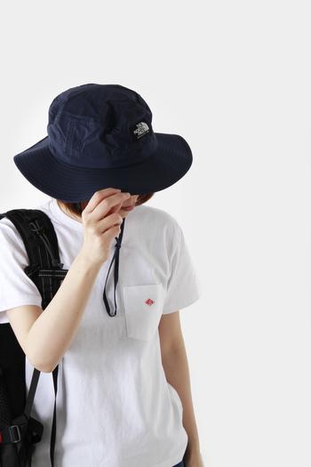 嬉しい機能とファッションのアクセントにもなるホライズンハット。通気性もバツグンのこの帽子は、春だけはなく夏でも大活躍するアイテムです。