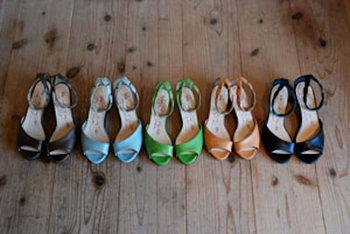 「そのみつ」というブランドのサンダルオーダーのイベントです。18色から選べて、足がきれいに見えるだけでなく、履き心地もソフトな革サンダルたち。何足も欲しくなってしまいそうですね…!