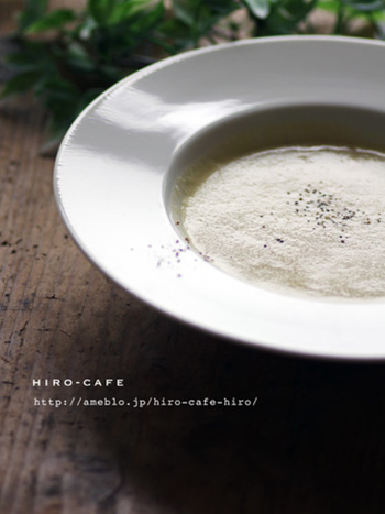 さつまいもの自然な甘みが、お子さんにも優しい冷製スープ。これからの季節にもぴったりなレシピですね。