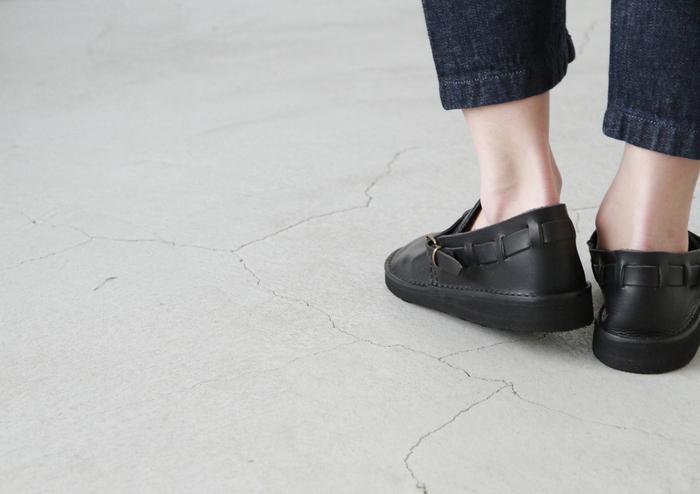 ソールにはビブラムソールを採用。かわいらしいデザインながら、長時間歩いても疲れないのが嬉しいですね。