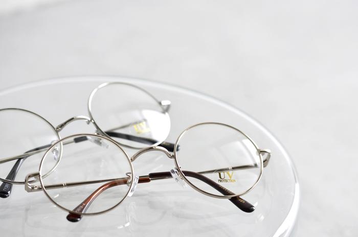 素材やクオリティにこだわったファッションアイテムを手がける「atelier brugge」から、紫外線を99%カットしてくれる嬉しい機能が施された眼鏡をご紹介します。それぞれ印象の違う3つのデザインからお選び下さい。