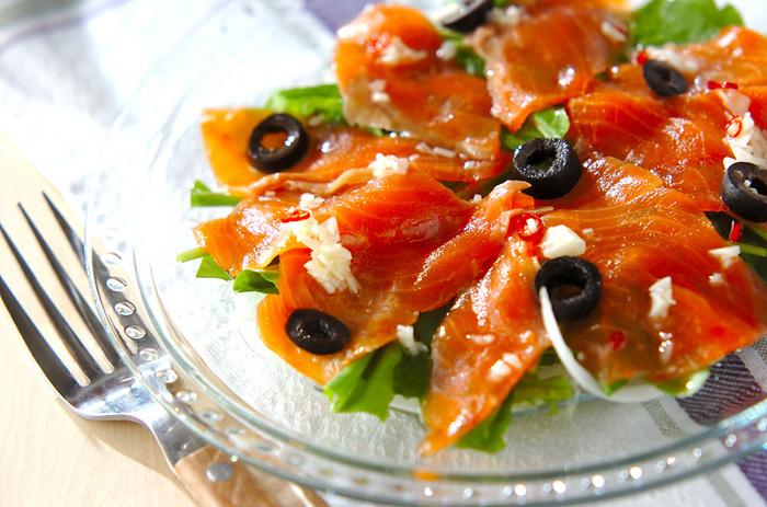 イタリアンはお好きですか? 日本料理はシンプルな味付けで素材の味を生かした調理法ですが、イタリアンも比較的シンプルな調理法が多いので、日本人の口に合うようです。レストランで食べるお料理ももちろん美味しいですが、ご家族や友人とお家でお酒を飲みながらリラックスしたイタリアンもいいですよね。