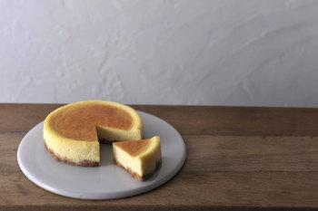 口どけ、濃厚。神戸発「ARUKUTORI(歩く鳥)」の限定お取り寄せチーズケーキ