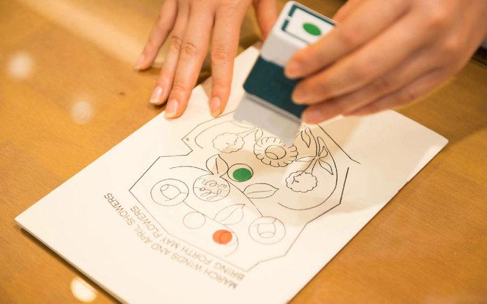 グラフィックデザイナーがデザインをしており、商品のどれもがグラフィックデザインを活かした、遊び心のあるプロダクトが特徴です。どこかユニークでキュートなデザインは、とってもオシャレ。