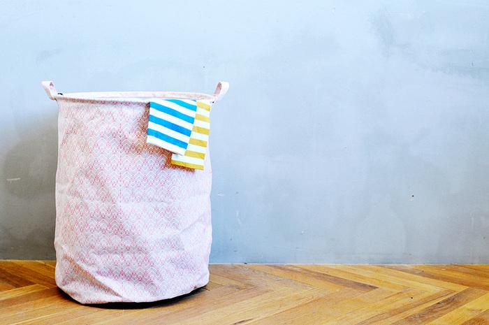 【ランドリーバッグ(House Doctor)】お洗濯が楽しくなりそうなかわいらしいランドリーバック。使わない時はコンパクトに折り畳んで収納もできます。ランドリーバック以外にもアイデア次第で色んな使い道がありそうです。