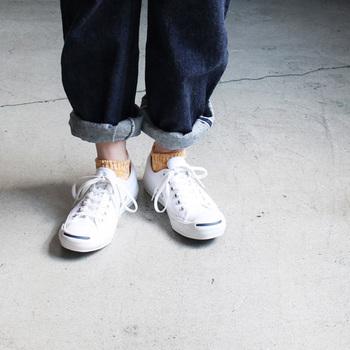 ■LUCKY SOCKS(ラッキーソックス)|ミックスローカットソックス  杢調の風合いが可愛いソックスは、太番手のコットンスラブ糸に和紙の糸をブレンドすることで、濃い色と薄い色が混ざりナチュラルな風合いに。ゆったりと甘く編むことで、とてもやわらかい履き心地に仕上がっています。