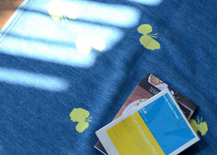 包まる…幸せ!「ミナペルホネン」×「クリッパン」のシュニールコットンブランケット