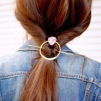 使用するとこのように見えます。いつものまとめ髪に、アクセントとして大活躍してくれる予感。