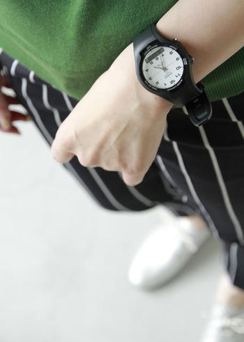 CASIOの腕時計たちをご紹介しました。ちょっとゴツめのものから薄めのスタイリッシュなものまで。シンプルな中にもこだわりが光る腕時計は年齢を重ねても長く使えそうですよね。 毎日ガシガシ身に着けられるデイリーアイテムとして、みなさんもぜひ1本迎えてみてはいかがでしょうか?