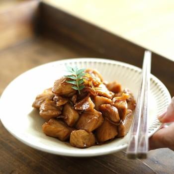 殺菌効果のある生姜を使ったまぐろの角煮。オリゴ糖で甘さを出していることろがポイント。冷めても味がしっかりしみて、ご飯がすすむお弁当のおかずになります。