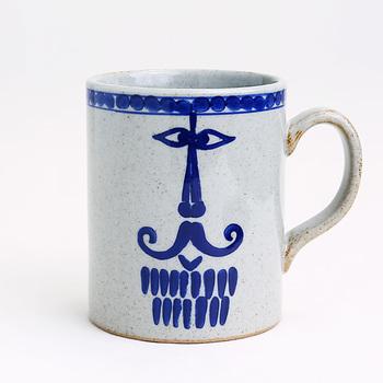 """""""pappa (パパ)""""と名付けられた「リサ・ラーソン」の可愛いマグカップは、ぜひ父の日にプレゼントしたいアイテムです。familj (ファミリ)シリーズの第一弾として登場したこちらのマグカップは、ヒゲをたくわえたパパの優しい表情がとってもチャーミング。"""