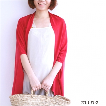 冬だけでなく、日差しがきびしくなる春夏にも「mino」のアイテムは大活躍☆これからのシーズンにおすすめのニットアイテムをご紹介します。