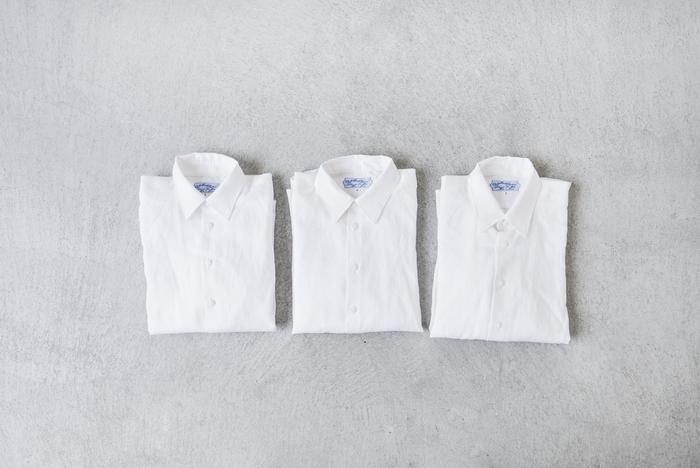 """■R & D.M.Co-│リネンシャツ""""LINEN SHIRT""""  オフィススタイルに欠かせないシャツは、素材やディテールにこだわった、とっておきの一着を。 汗ばむこれからの季節には、さらりとした着心地のリネンがおすすめです。 アイロンをかけてきりっと、洗いざらしで無造作に。ふたつの表情が楽しめます。"""