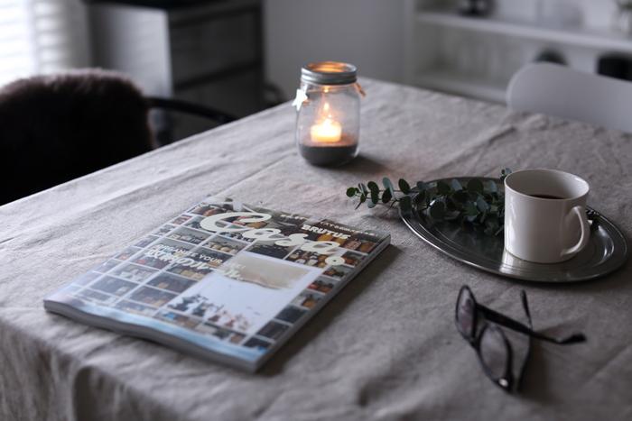 ゆらゆらと揺れるキャンドルの灯りに癒されながら、ゆったりと自分のお気に入りの雑誌を読むというとっておきの時間。ひよりさんはピンタレストで海外の部屋を見たり、ブログを見たりするのが好きなんだそう。お気に入りのマグカップに淹れたコーヒーもあれば、もう最高ですね。