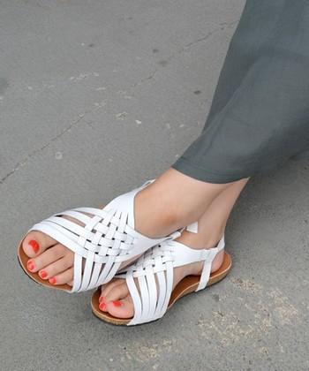 PLAKTON(プラクトン)スペインのブランドです。デザイン性と快適な履き心地を兼ね備えています。ナチュラルなコーデにも、女性らしいコーデにもおすすめです。