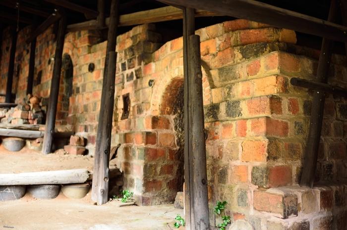 1887年に造られ、1974年まで使用されていた登り窯の内部を見学することもできます。