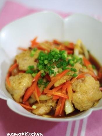 お安く手に入る鶏むね肉を、甘辛く仕上げてご飯がすすむ一品に。