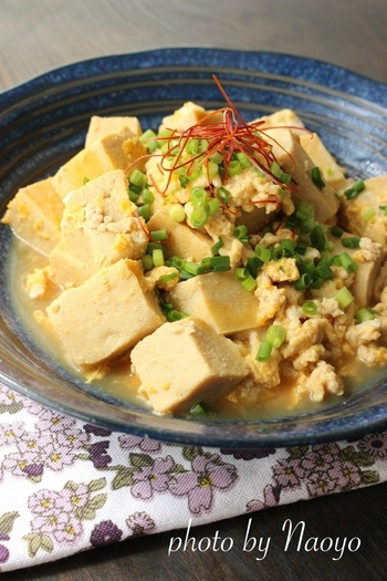 定番の高野豆腐は、低糖質&高タンパク質なのでヘルシーメニュー。めんつゆで味付けすれば時短にもなりますね。