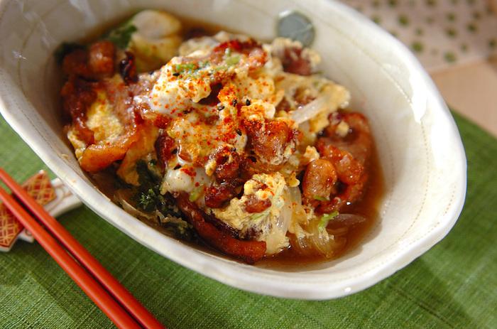 揚げた豚と甘辛いタレが、丼にしても美味しい一品です。