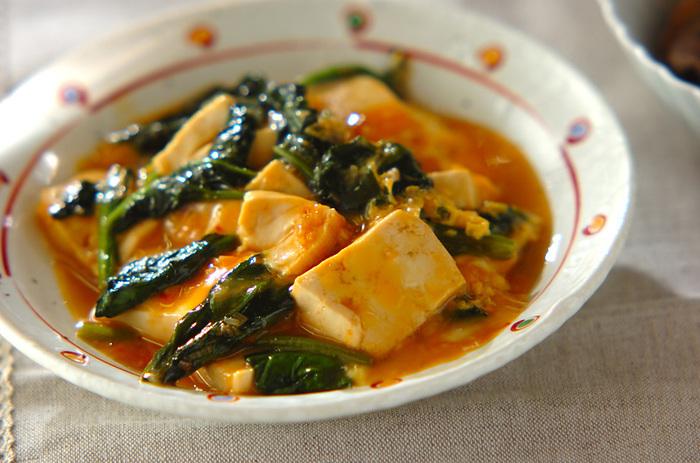 木綿豆腐は、水気を切って入れることでよりふわふわした食感になります。ご飯にかけてもおいしそう♪