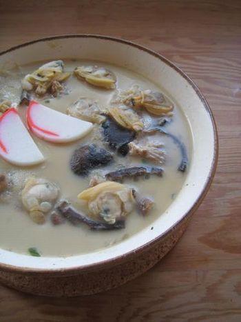 フルフルの茶碗蒸しも土鍋の効果で『す』が入りにくい! たっぷり具だくさんで食べごたえあります!ツルンと入ってしまう茶碗蒸しは食欲のないときにも食べられますね!
